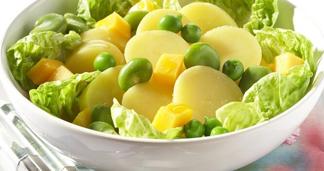 Salade de pommes de terre Pompadour aux fèves & cubes de mangue