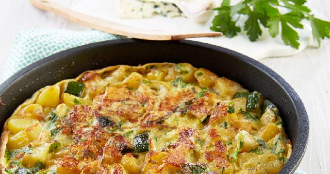 Tortilla aux pommes de terre Pompadour, courgettes & Roquefort