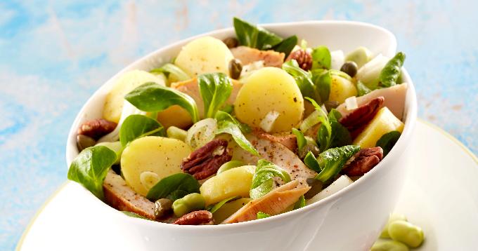 salade de pommes de terre Pompadour, poulet, feve et noix de pecan